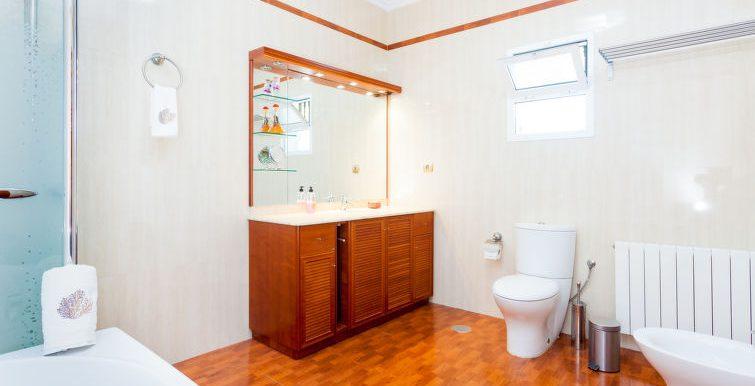 GREAT VILLA WITH 3 FLOORS